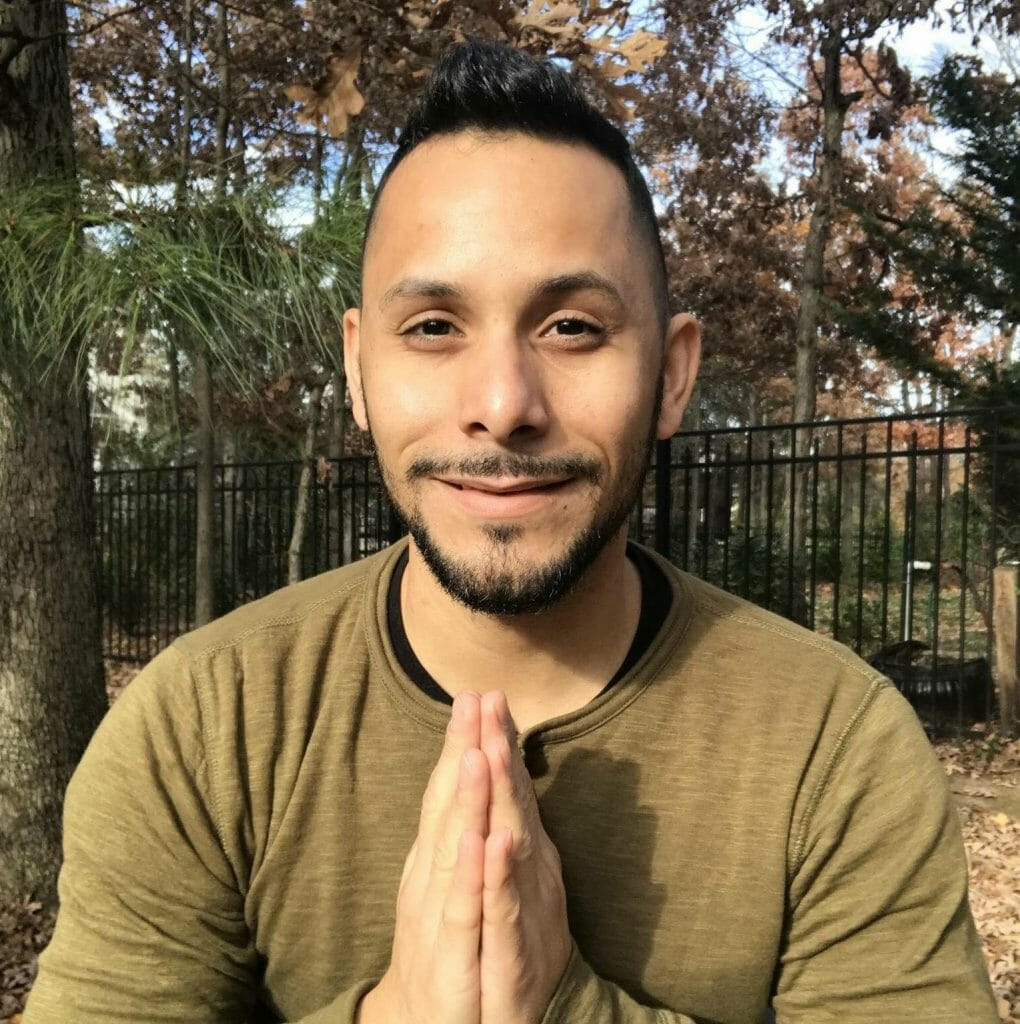Fernando Avellanet yoga teacher
